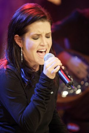 lisa_marie_presley_much_more_music_3