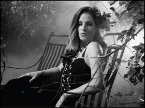lisa_marie_presley_video_you_aint_seen_nothing_yet