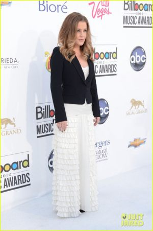 lisa_marie_presley_billboard_music_awards